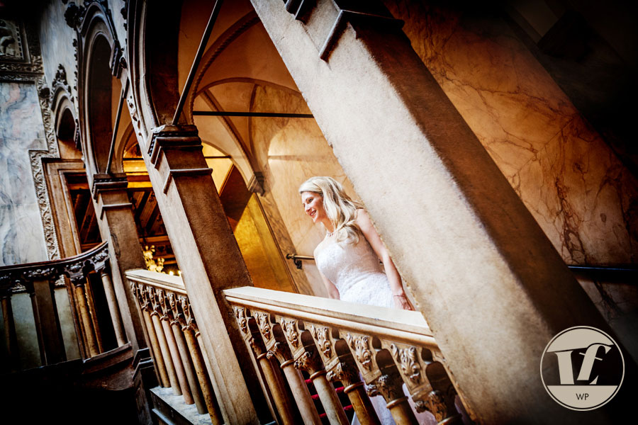 Venice honeymoon photographer. Hotel Danieli Italy destination wedding photography. Luca Fabbian