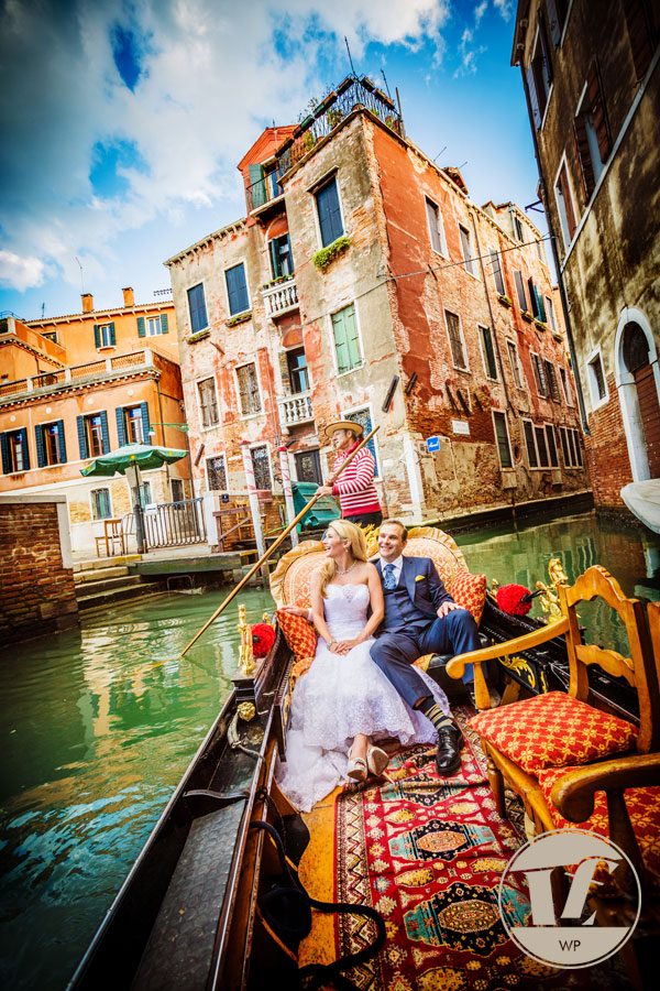 Venice honeymoon photographer. Hotel Danieli