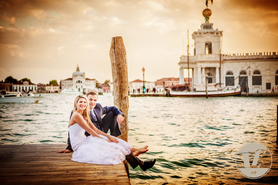 Venice honeymoon photographer. Hotel Danieli. Luca Fabbian wedding photography