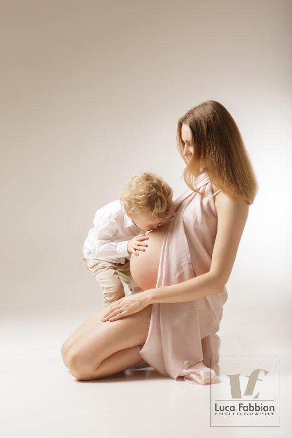 Fotografo Vicenza premaman, maternità, pancione. Studio fotografico ritratto mamme in dolce attesa. Luca Fabbian