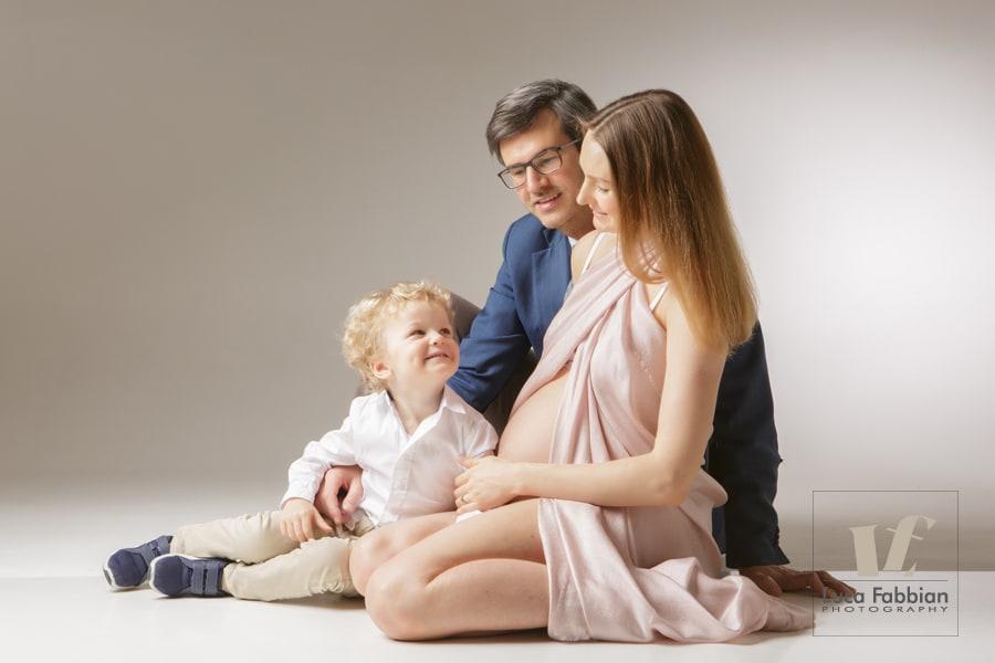 Fotografo Vicenza premaman, maternità, pancione. Studio fotografico ritratto mamme in dolce attesa