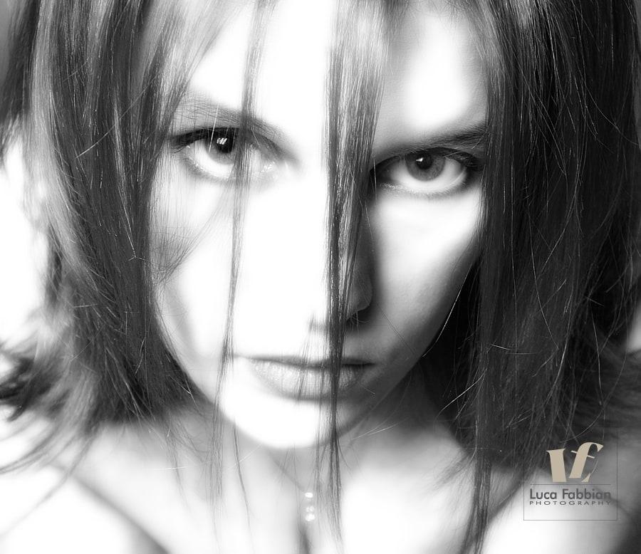 Fotografo Vicenza ritratto in studio fotografico. Book fotografico modelle, professionisti, artisti, coppie, fidanzati