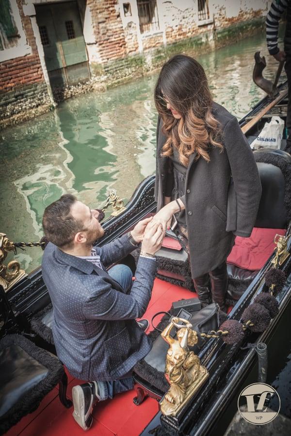 fotografo fidanzamento gondola venezia