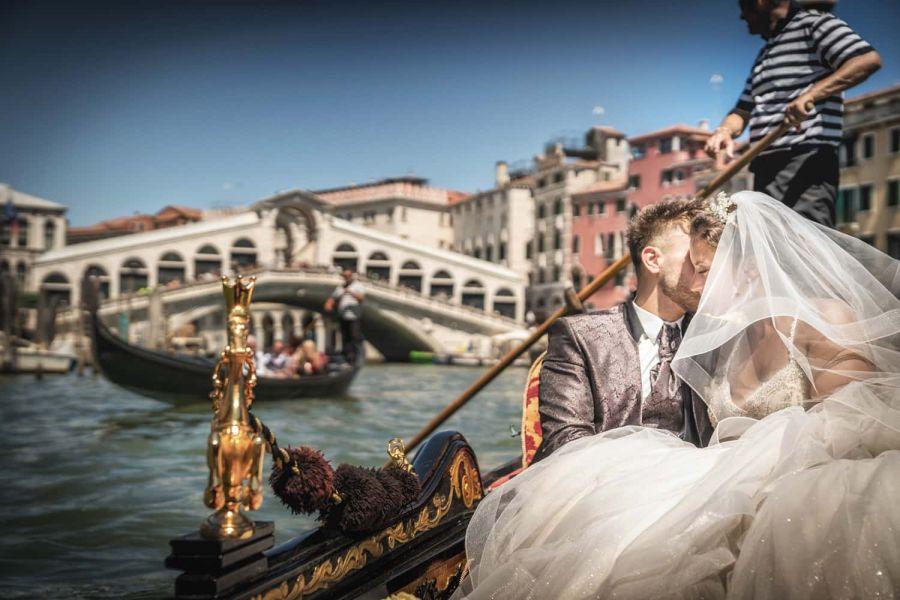 Venice Italy wedding and elopement photographer. Luca Fabbian award winning wedding photography