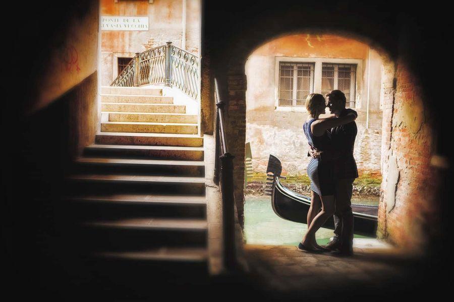 Venice Italy proposal and engagement photographer. Luca Fabbian award winning wedding photography