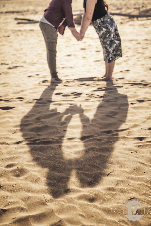 servizi fotografici di coppia pre matrimoniali. Mare, spiaggia, primavera