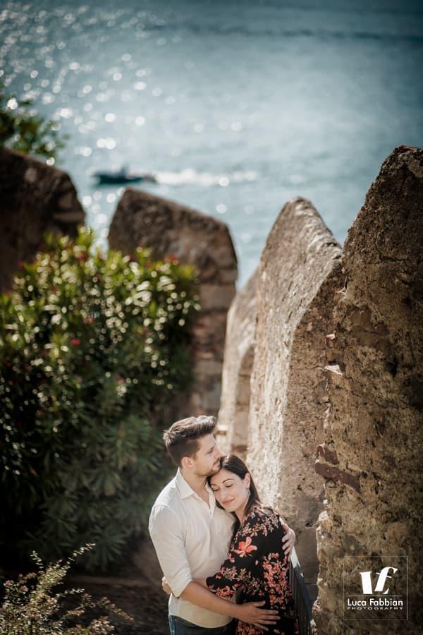 fotografia pre matrimoniale al castello di Malcesine sul Garda