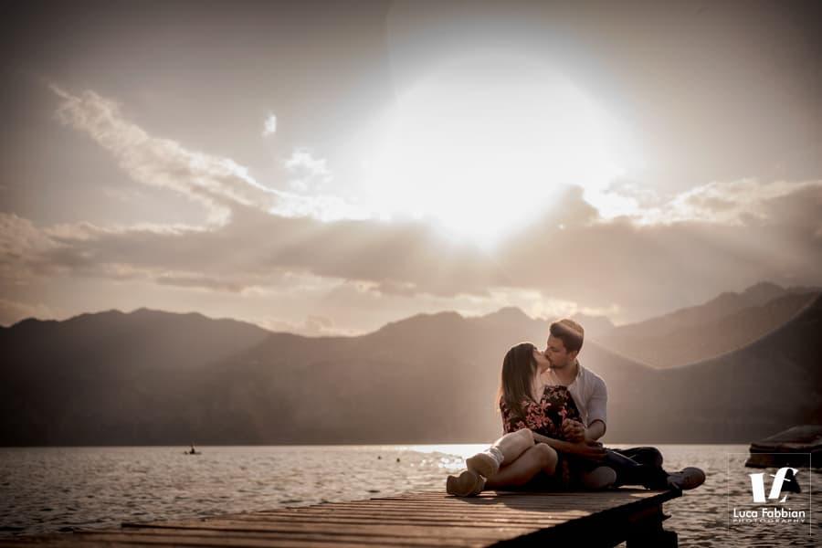 servizio fotografico di coppia al lago di Garda